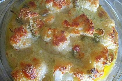 Blumenkohl-Oliven-Knoblauch-Schnitzel-Auflauf