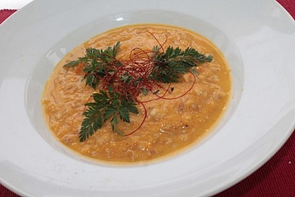 Karottensuppe mit Dinkeleinlage