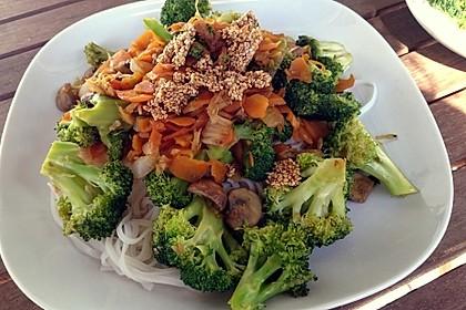 Pfannengerührter Brokkoli mit Shiitake und Sesamcrunch