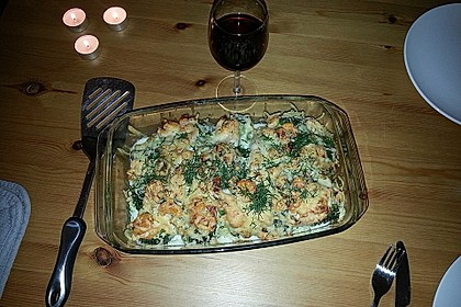 Lachsgratin mit Garnelen, Brokkoli und Kartoffeln (Bild)
