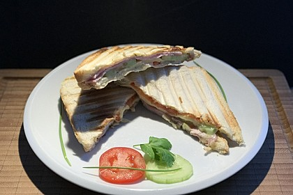 Herzhafte Sandwiches aus dem Sandwichmaker (Bild)