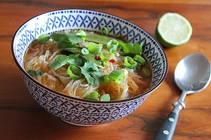 Schnelle Thai-Curry-Glasnudelsuppe 1