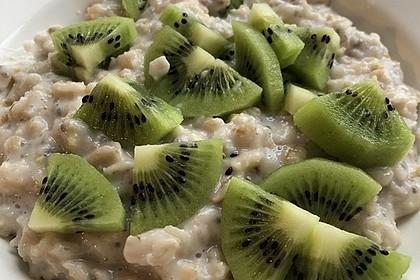 Porridge mit Mandelmilch und Chiasamen 4