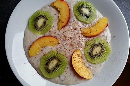 Porridge mit Mandelmilch und Chiasamen 1