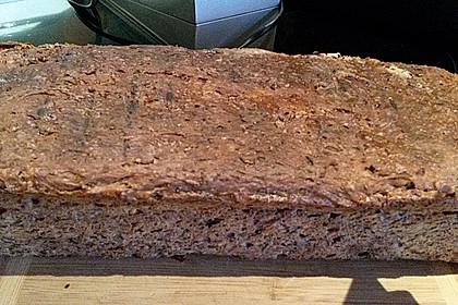 Dinkelmischbrot mit Chiasamen und Flohsamen (Bild)