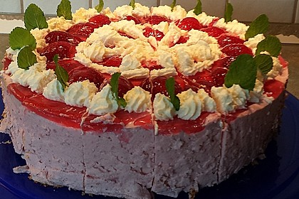 Erdbeer-Quark-Joghurt-Torte