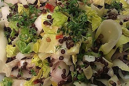 Salat mit Belugalinsen und traumhaftem Dressing