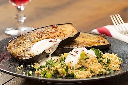 Gebackene Auberginen mit Bulgur-Salat 1