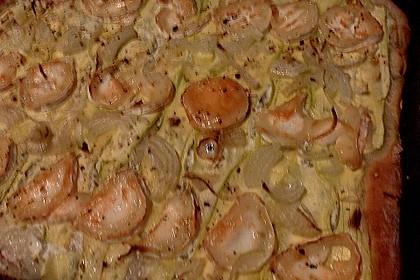 Zucchini-Zwiebelkuchen mit Ziegenkäse