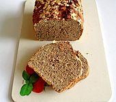 Kerniges Vollkorn-Quark-Brot (Bild)