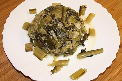 Löwenzahngemüse mit Parmesan