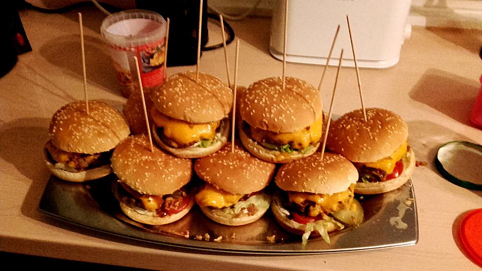 puten hamburger mit r stzwiebeln von nascpa00. Black Bedroom Furniture Sets. Home Design Ideas