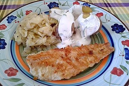 Seelachs mit Spitzkohl und Bärlauch-Dip an Pellkartoffeln