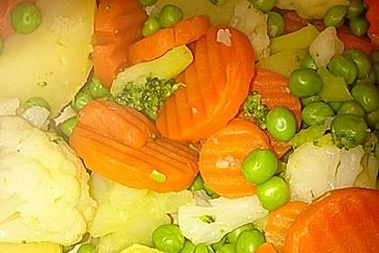 Überbackener Gemüseauflauf in Champignonsoße 2