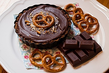 Peanutbutter-Chocolate Pie with Pretzel Crust (Bild)