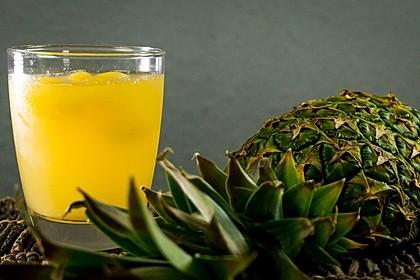 Ananas-Eistee mit grünem Tee