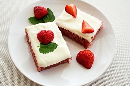 Erdbeer-Blechkuchen mit Cream Cheese Frosting 1
