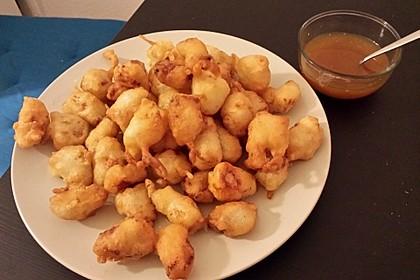 Knusprige Chicken Nuggets mit süßsaurer Sauce (Bild)