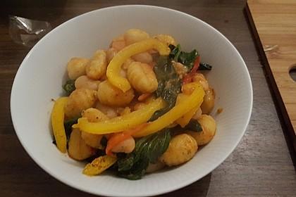 Gnocchi Tricolore mit Pinienkern-Parmesan 1
