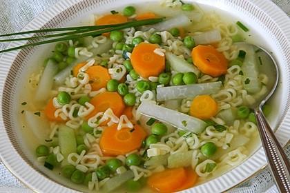 Buchstabennudeln-Gemüse-Suppe 1