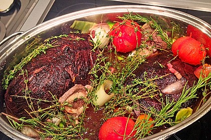 Boeuf á la mode - Rinderschmorbraten mit Gemüse