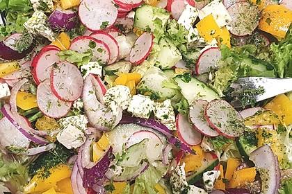 Bauernsalat mit Feta (Bild)