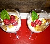 Leichtes Joghurt-Himbeeren-Dessert (Bild)