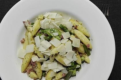 Spargel-Schupfnudelpfanne mit Speck und Parmesan 2