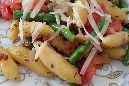Spargel-Schupfnudelpfanne mit Speck und Parmesan 1