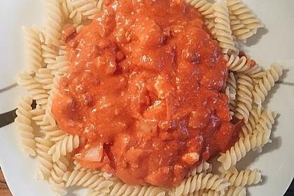 15 Minuten Pasta in leckerer Pesto-Tomatensoße 1