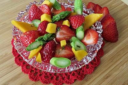 Spargelsalat mit Mango und Erdbeeren 1