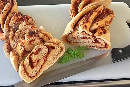 Pesto-Brot mit Basilikum 2