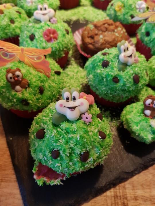 Blumenwiesen Muffins Fur Den Kindergeburtstag Von Manokia75