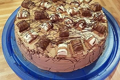 Torte mit Kinder Bueno 6