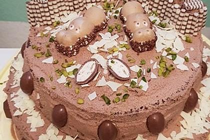 Torte mit Kinder Bueno 40