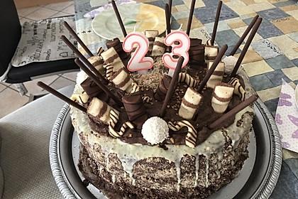 Torte mit Kinder Bueno 39