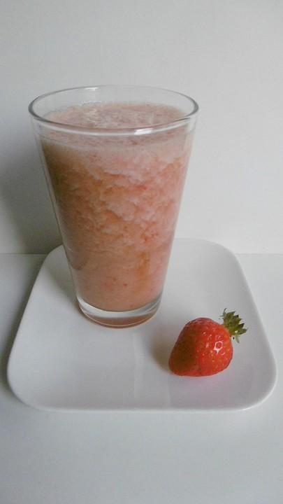 gesunder erdbeer bananen smoothie