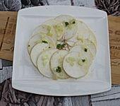 Mairüben-Carpaccio mit Honig-Senf-Dressing (Bild)