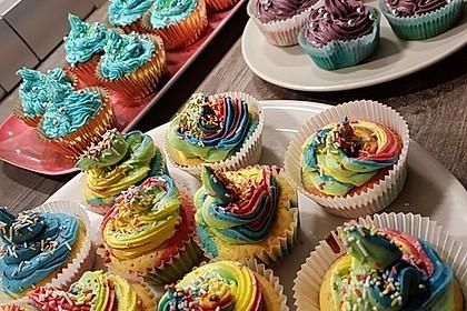Rainbow Cupcakes und Rainbow Swirl Buttercream Frosting 9