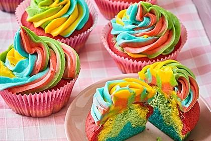 Rainbow Cupcakes und Rainbow Swirl Buttercream Frosting 4