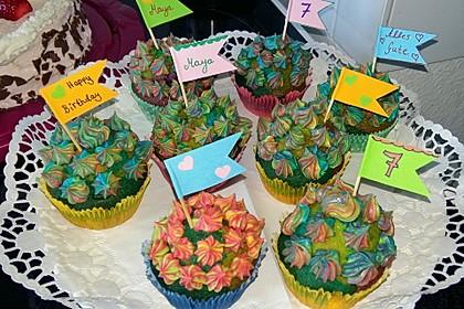 Rainbow Cupcakes und Rainbow Swirl Buttercream Frosting 7
