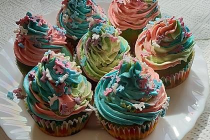 Rainbow Cupcakes und Rainbow Swirl Buttercream Frosting 2