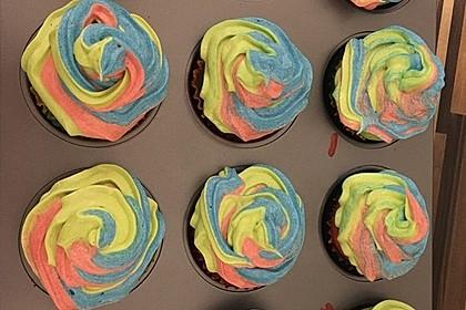 Rainbow Cupcakes und Rainbow Swirl Buttercream Frosting 1