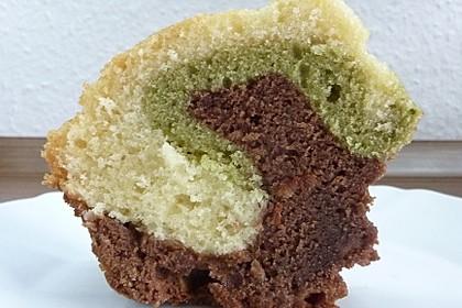 4-Schicht-Marmorkuchen mit Matcha, Nougat, Kokosnuss und Rum