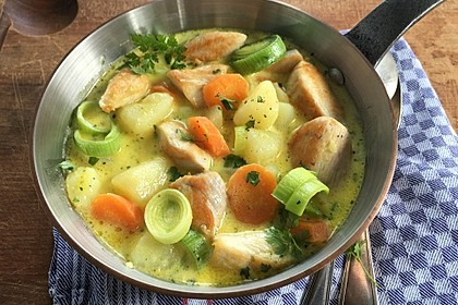Hähncheneintopf mit Lauch und Kartoffeln
