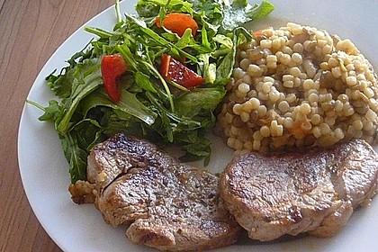 Rinderfilet dazu Couscous mit Auberginen