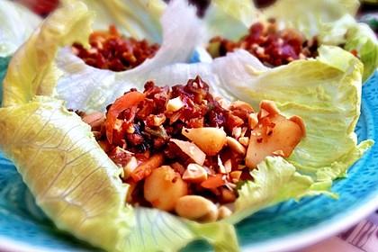 Asiatische Hoisin-Salat-Wraps