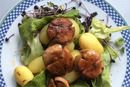 Gebratene Lyoner auf Salat