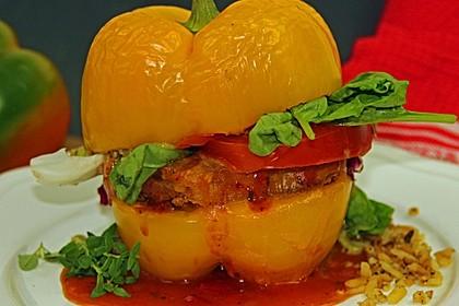 Vegetarischer Paprika-Burger mit Sojasteak