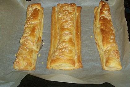 Speck-Käse-Blätterteigstangen wie vom Bäcker 1